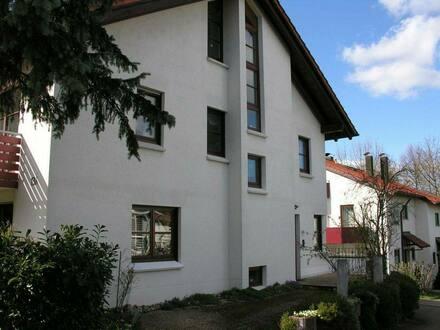 Metzingen - Doppelhaushälfte mit Garage und Carport in Metzingen