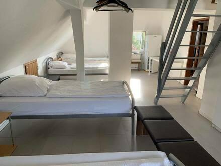 Esslingen am Neckar - Attraktive 1,5-Zimmer-Dachgeschosswohnung mit Einbauküche in Esslingen am Neckar