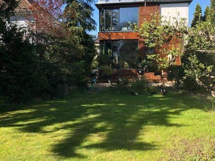 Berlin - Zentrumsnah im Grünen Wohnen - Architektenhaus als Ruhepol mit großem Garten