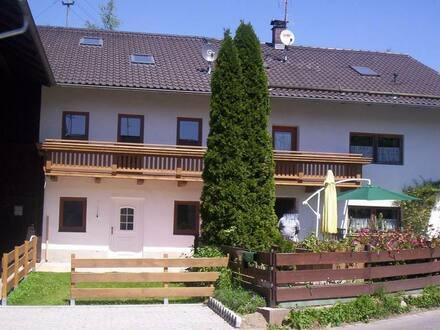 Emmering - 3 Zimmer Wohnung (EG und OG) mit Garten und Stellplätze