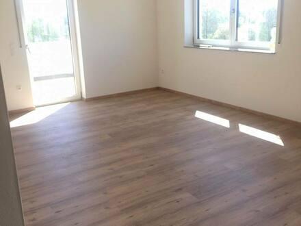 Mantel - Moderne 2-ZKB Balkon-Wohnung ** KfW 55 ** Standard--