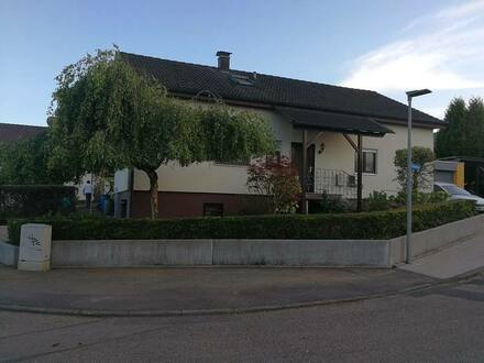 Massenbachhausen - Helle, geräumige 2,5-Zimmer-Wohnung in Heilbronn (Kreis) / Massenbachhausen