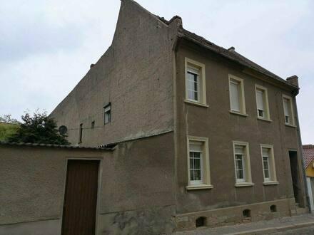Naumburg (Saale) - Haus mit Hof Garten und Scheune