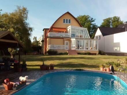 Schwerin - Attraktive und sanierte 8-Zimmer-Villa mit gehobener Innenausstattung in Lankow, Schwerin