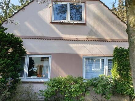 Delmenhorst - 5-ZimmerHaus in bester Wohnlage mit phantastischem Naturgarten