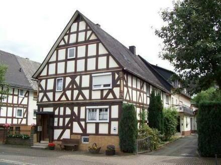Dillenburg-Nanzenbach - Atraktives Fachwerkhaus (Denkmalschutz) in Dillenburg-Nanzenbach