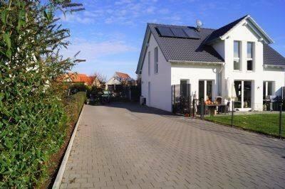 Merkendorf - Schönes, Neues Einfamilienhaus mit Einliegerwohnung
