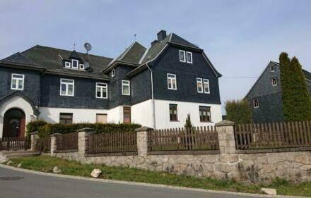 Wurzbach - Lichtdurchflutetes Doppelhaus im Thüringer Schiefergebirge