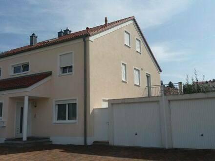 Kösching - Kösching:Wunderschöne 3 ZKB-Wohnung in Doppelhaushälfte