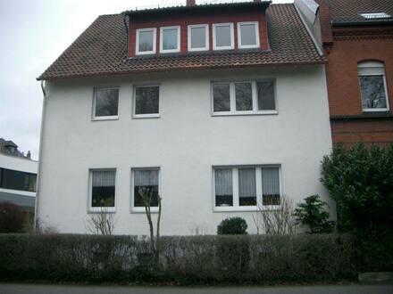 Peine - Schönes Haus in Peine, Bestlage, aus Altersgründen abzugeben mit zusätzlicher Halle