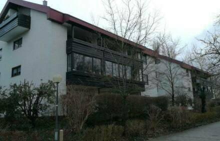 Karlsfeld - Freundliche 4-Zimmer-Wohnung mit großen Balkon in Karlsfeld