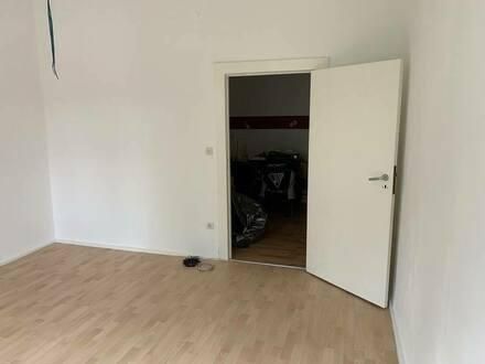Berlin - Helles frisch renoviertes Zimmer 17 qm in reiner Männer-WG