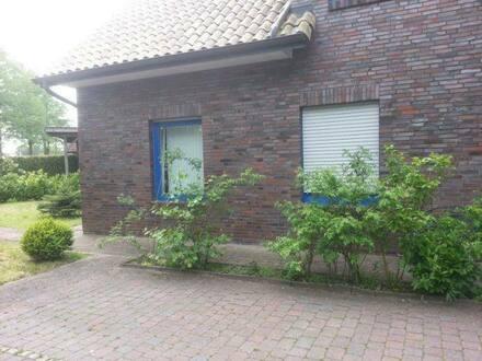 Schortens - 2-Familienhaus in ruhiger Siedlung mit schönem, unverbaubaren Blick über die Wiesen und Weiden