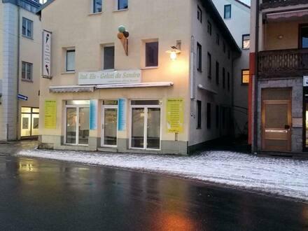 Zwiesel - Geschäftshaus am Anger in Zwiesel zu vermieten verkaufen