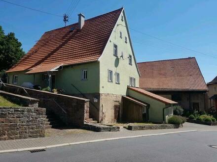 Wertheim - Haus zu verkaufen mit Scheunen