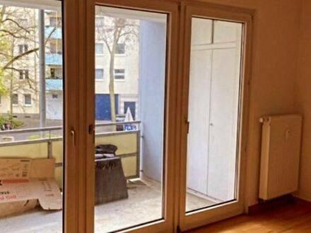 Mainz - Großes 25qm Zimmer mit Balkon in der schönen Mainzer Neustadt