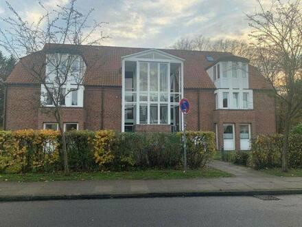 Lüneburg (Weststadt) - Freundliche 3,5 Zimmer Wohnung im 2 Obergeschoß mit großzügigen 104 m² Grundfläche, ergibt gemüt…