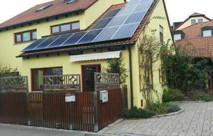 Zeitlarn - Einfamilienhaus mit Einliegerwohnung