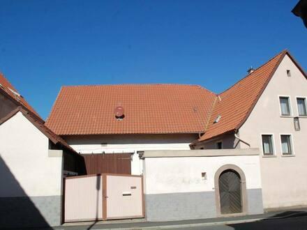 Rödelsee - Schönes Haus mit Nebengebäude und Innenhof mit 6 Zimmern
