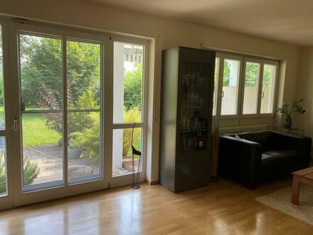 München - Helle 2-Zimmer-Wohnung mit EBK und großem Süd-Garten