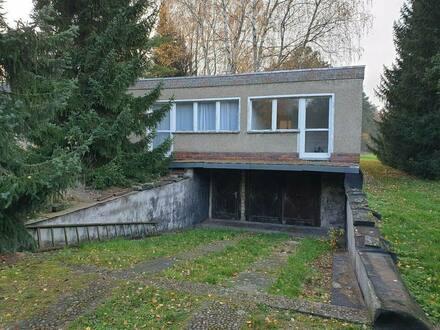 Eisenhüttenstadt - Großes Grundstück mit kleinem Häuschen