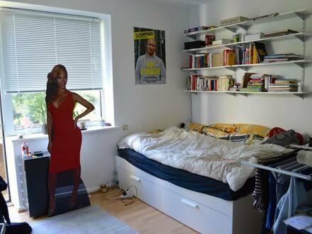 Hamburg - 3 Zimmer Wohnung für neu zu gründende 3er WG, 2 Balkone, Schanze, 1. OG, Badewanne ;-), Angaben pro