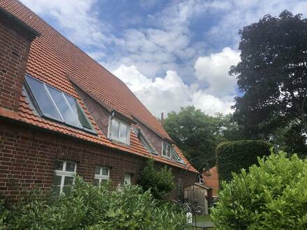 Büchen - Romantische 4-Zimmerwohnung im Grünen