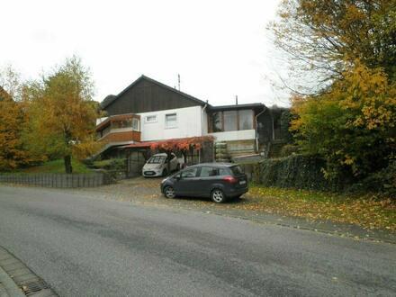Birnbach - Freistehendes EFH mit Garten, Carport, Parkplatz und Wintergarten
