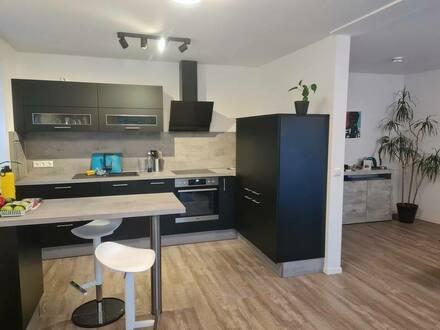 Rostock - Stilvolle 2-Zimmer-EG-Wohnung mit Balkon in der Rostocker KTV