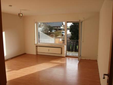 Ottobeuren - Sonnige 2-Zimmer-Wohnung mit Balkon und Einbauküche - Garage-Keller-Tageslichtbad