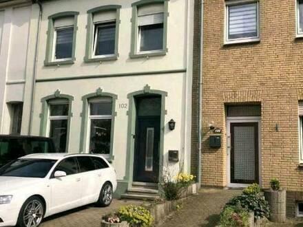 Emmerich am Rhein - Schönes renoviertes Reihenmittelhaus Haus in Emmerich Speelberg