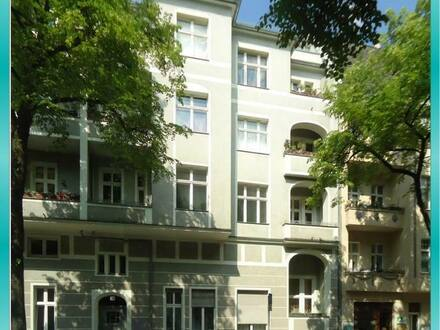 Berlin - TEMPELHOF : Helle 2-Zi.-BALKON-Wohnung in KIEZLAGE - WE 29 (unrenoviert)