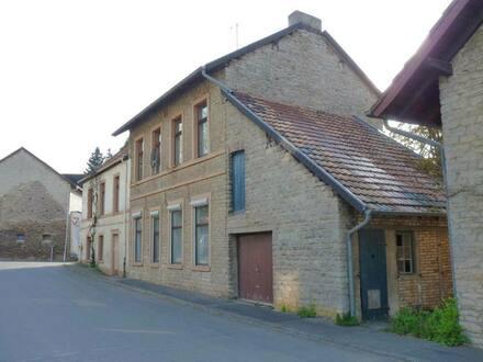 Blankenheim-Rohr - Schönes, geräumiges Eifel-Haus zu verkaufen
