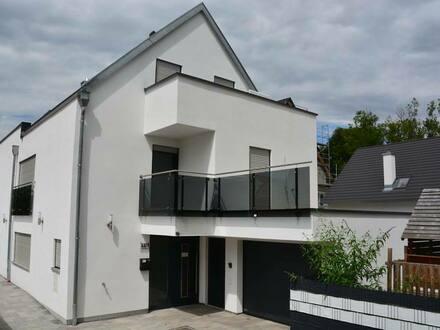 Göppingen - Privatverkauf sofort bezugsfrei: Neuwertiges, schickes Einfamilienhaus mit Garage und Stellplatz.