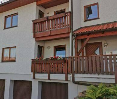 Bad Gottleuba-Berggießhübel - Schöne 2-Raum-Wohnung mit Loggia und Garage ab sofort verfügbar