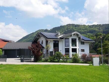 Freidorf - Einfamilienhaus in idyllischer Lage mit Einliegerwohnung von Privat