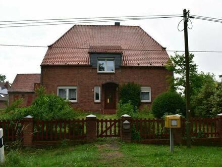 Amt Neuhaus - Bauernhaus mit Stallgebäude in ruhiger Elblage Amt Neuhaus