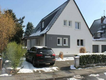 Köln - Schönes modernisiertes Haus zum Wohlfühlen im Kölner Norden mit 1000 qm Garten