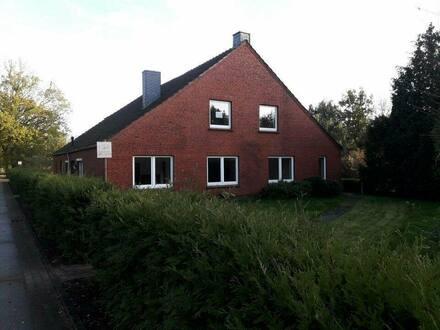 Nortmoor - Ländliches Wohnhaus mit großem Grundstück, auch gew. nutzbar