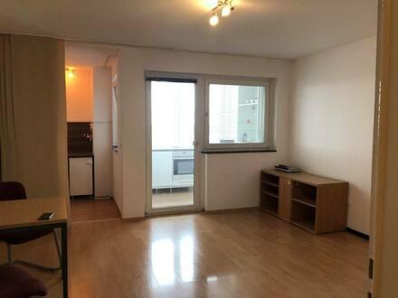 Langen (Hessen) - Schöne 1-Zimmer-Wohnung mit EBK in Langen (Hessen)