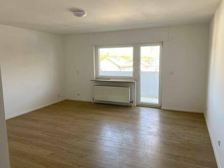 Sachsenheim - Neu sanierte 2 Zimmer Wohnung mit Balkon