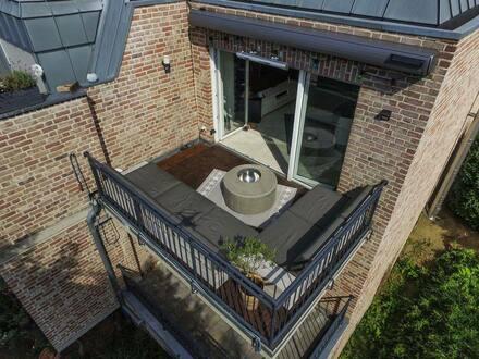 Wegberg - Gepflegte Dachgeschosswohnung mit 3 Zimmern, 2 Balkonen, Kamin, Markise und Einbauküche in Wegberg