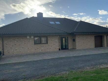 Hennef (Sieg) - Einfamilienhaus Bungalow zu verkaufen (reserviert)