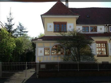 Grünstadt - Tolle Stadtvilla mit parkähnlichem Garten, für Paare oder eine kleine Familie.