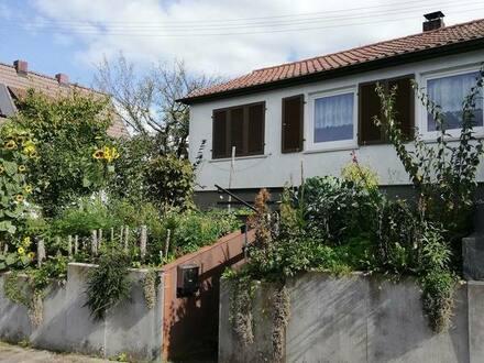 Schorndorf - Doppelhaushälfte mit 2 Zimmern und Garten
