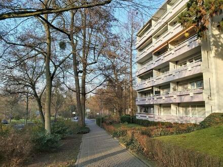 Wiesbaden-Aukamm - Stilvolle, gepflegte 3,5-Zimmer-Wohnung mit 2 Balkone und EBK in Wiesbaden-Aukamm