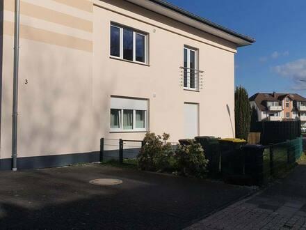Troisdorf - Exklusive, modernisierte 3-Zimmer-Wohnung mit Balkon und Einbauküche in Troisdorf