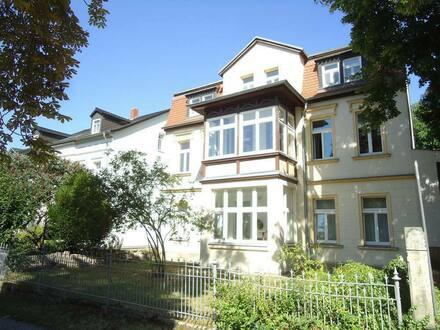 Naumburg (Saale) - 4-Raum-Wohnung im Bürgergarten mit Balkon und Wintergarten