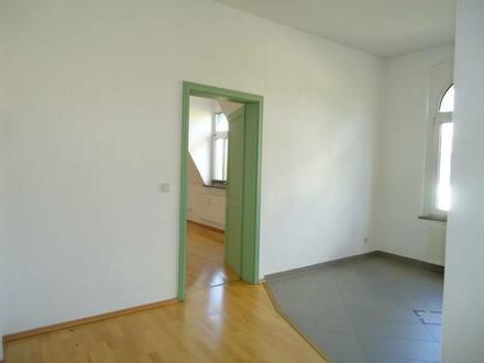 Naumburg (Saale) - Single-Wohnung mit offner Küche