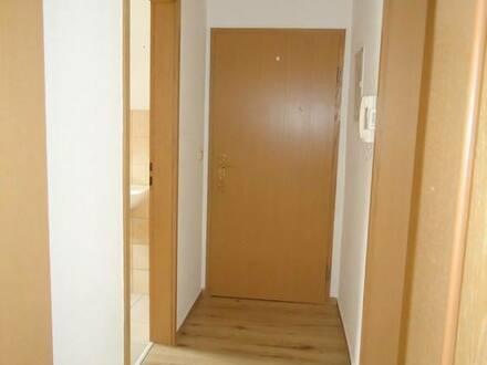 Naumburg (Saale) - gemütliche 2-Raum-Wohnung